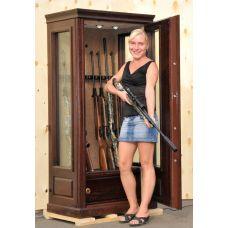 Оружейный сейф с бронестёклами AMW8